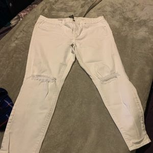 White mossimo destressed jegging 16